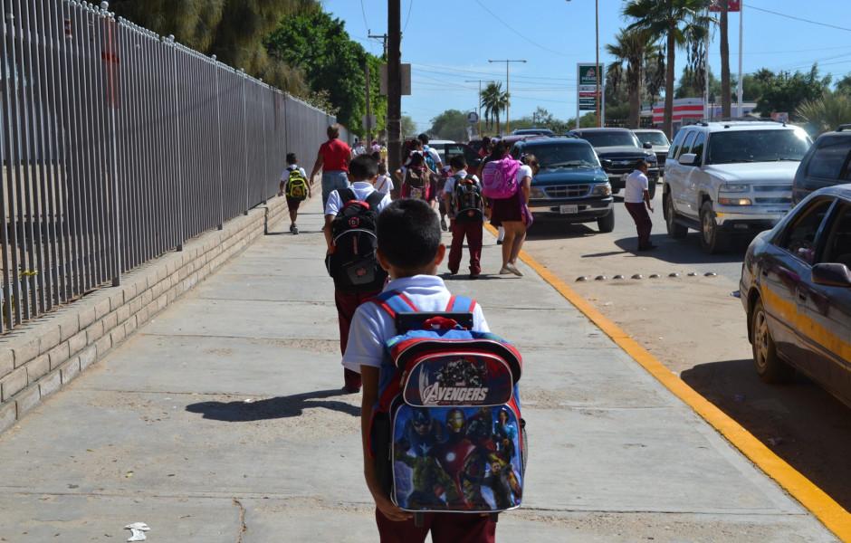 Regresan mañana a clases 743 mil alumnos