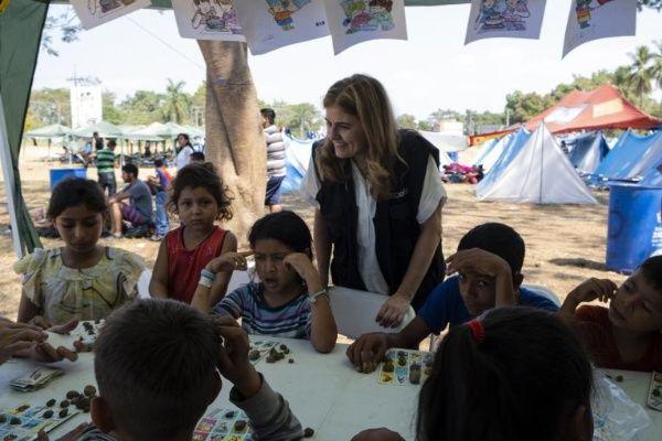 Escuelita móvil llega niños migrantes centroamericanos albergados en Tijuana