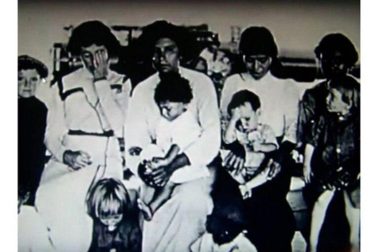 Foto de 10 de los sobrevivientes de Clipperton, tomada en el buque USS Yorktown que los rescató en 1917