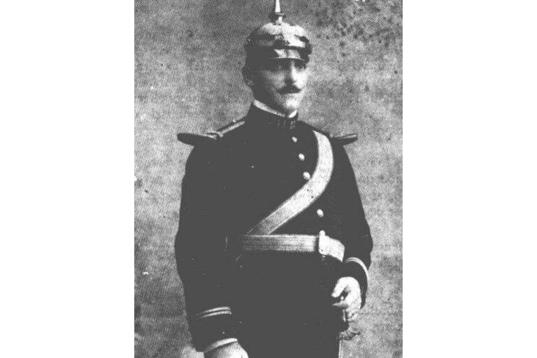 El capitán Ramón Arnaud Vignon. Foto de la Colección Historia Gráfica de la Armada de México