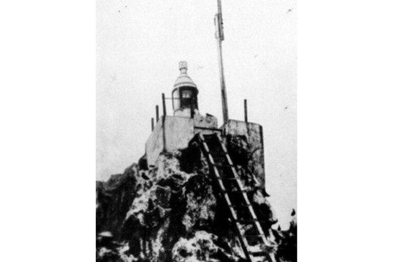 Faro de la Isla de Clipperton, probablemente de principios del siglo XX